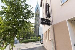 Hotel am Friedensplatz - Blick auf Kirche
